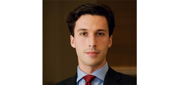 En Yakışıklı 10 Erkek Avukat - Adam Al-Attar
