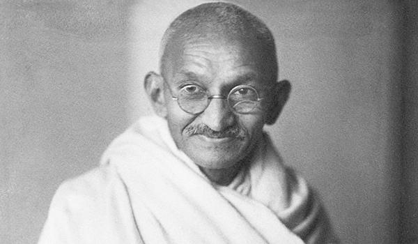 En Başarılı Avukatlar - Mohandas Karamchand Gandhi