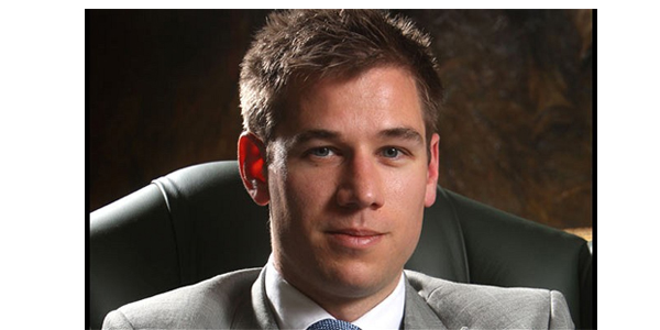 En Yakışıklı 10 Erkek Avukat - Patrick Hennessey