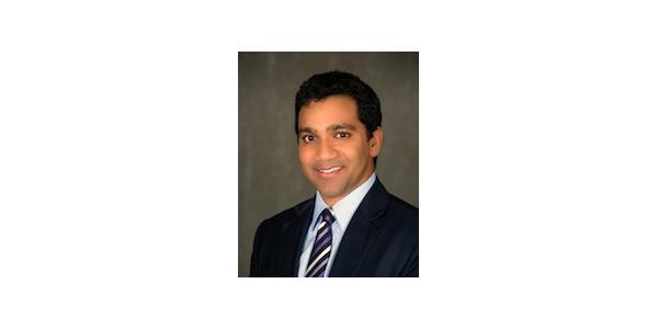 En Yakışıklı 10 Erkek Avukat - Raj Desai