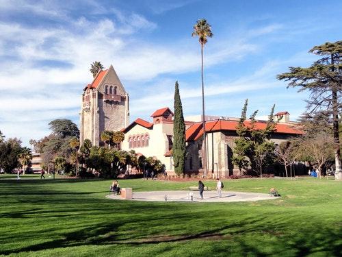 Avukatlar İçin Yurt Dışında Yüksek Lisans Yapılabilecek Üniversiteler -3