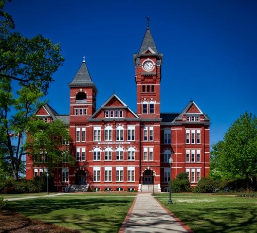 Avukatlar İçin Yurt Dışında Yüksek Lisans Yapılabilecek Üniversiteler -4