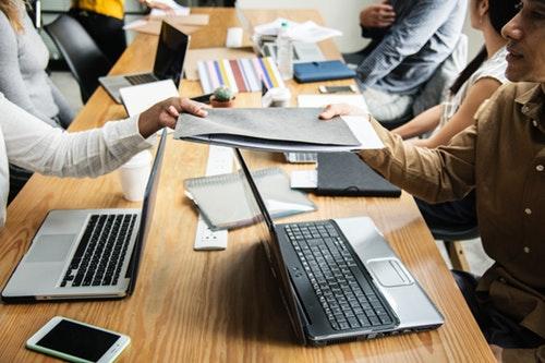 Hukuk Bürolarında İş Geliştirme Yöntemleri - Ofiste Paylaşım Kültürü Geliştirin
